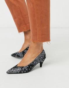 Черные туфли-лодочки на каблуке-рюмочке с белым принтом ASOS DESIGN-Мульти