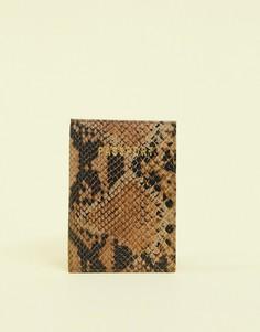 Коричневая кожаная обложка для паспорта со змеиным рисунком ASOS DESIGN-Коричневый