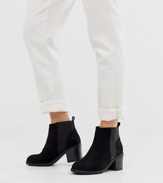 Черные замшевые ботинки челси на каблуке New Look Wide Fit-Черный