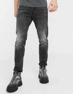 Серые зауженные джинсы с 5 карманами G-Star D-Staq-Серый