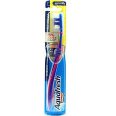 Зубная щетка Aquafresh All Angles средней жесткости