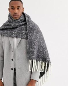 Широкий пушистый серо-белый шарф ASOS DESIGN-Серый