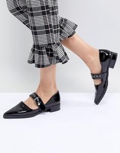 Лакированные туфли на плоской подошве с острым носом Monki-Черный