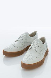Белые кожаные туфли с брогированием Clarks