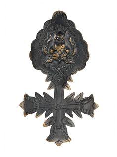 Gianfranco Ferré Pre-Owned брошь в форме креста 2000-х годов