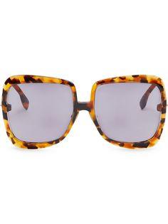 Fendi Promeneye sunglasses