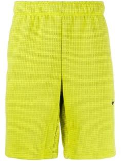 Nike спортивные шорты в клетку