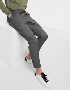 Серые зауженные брюки в клетку без застежек New Look-Серый