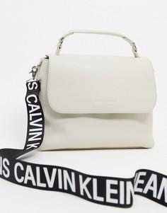 Светло-бежевая сумка на плечо Calvin Klein Jeans-Светло-бежевый