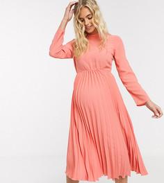 Платье миди кораллового цвета с плиссировкойASOS DESIGN Maternity-Розовый