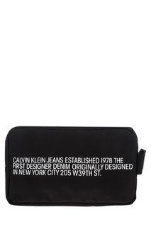 Черная текстильная косметичка с принтом Calvin Klein Jeans