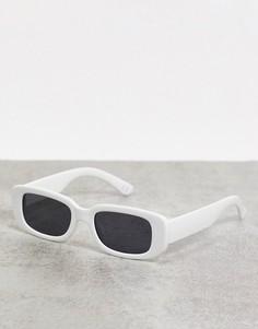 Солнцезащитные очкис белой оправой и черными стекламиASOS DESIGN-Белый