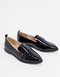 Черные лакированные туфли на плоской подошве RAID-Черный