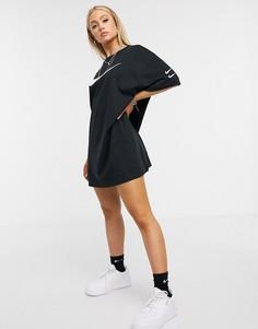 Черное платье-футболка с логотипами-галочками Nike-Черный