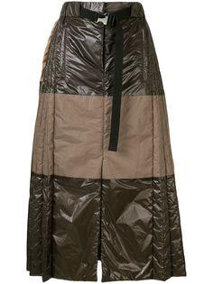 Sacai плиссированная юбка в стиле колор-блок