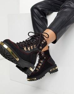 Черные походные ботинки с металлической декоративной фурнитурой и крючками для шнуровки в зоне щиколотки River Island-Черный
