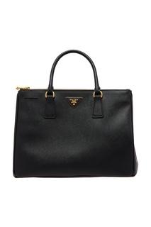 Вместительная черная сумка Prada
