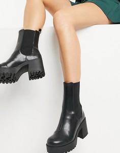 Черные ботинки на массивной подошве из искусственной кожи Monki Malwina-Черный