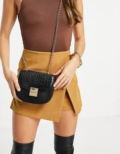 Черная сумка через плечо с золотистыми элементами и крокодиловым принтом Carvela jill-Черный