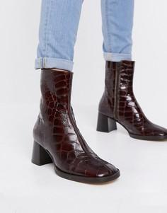 Кожаные ботильоны на каблуке с эффектом крокодиловой кожи E8 Miista Franny-Коричневый