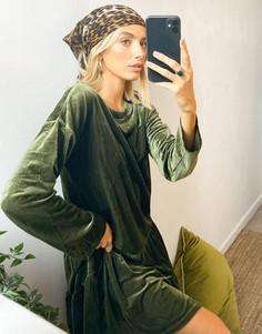 Свободное платье цвета хаки в рубчик с длинными рукавами и присборенной юбкой Urban Threads-Зеленый