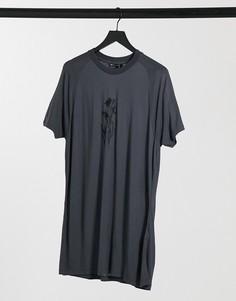 Свободная удлиненная футболка выбеленного серого цвета с цветочным принтом на груди ASOS DESIGN-Серый