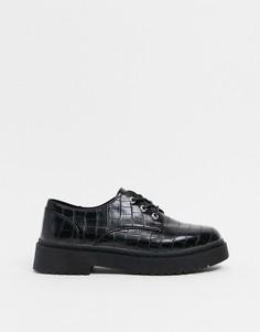 Черные туфли на массивной плоской подошве с эффектом крокодиловой кожи и шнуровкой New Look-Черный цвет