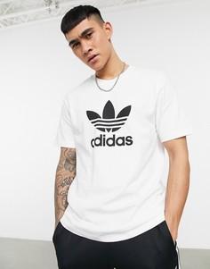 Белая футболка с крупным логотипом adidas Originals adicolor-Белый