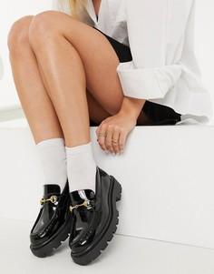 Черные лакированные лоферы с золотистой фурнитурой Selected Femme-Черный цвет