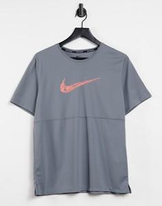 Серая футболка Nike Running Wild Run Breathe-Серый