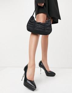 Черные туфли-лодочки с отделкой в виде черепа на каблуке Lamoda-Черный цвет