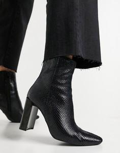 Черные ботинки на каблуке со змеиным принтом Pimkie-Черный цвет
