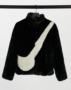 Черный худи в стиле оversized из искусственного меха с логотипом-галочкой Nike