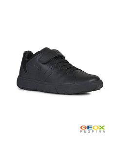 Черные кроссовки Geox