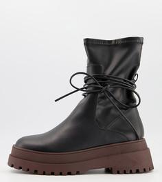 Черные массивные ботинки на плоской подошве коричневого цвета с завязками Public Desire Wide Fit Finale-Черный цвет