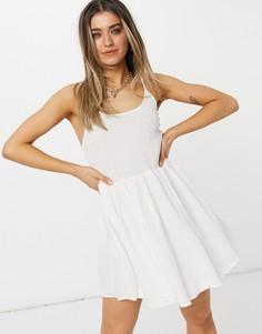 Белый приталенный сарафан мини скороткой расклешенной юбкой и овальным вырезом на спинке ASOS DESIGN