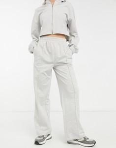 Серый спортивный костюм с укороченным худи на молнии и прямыми джоггерами с защипами ASOS DESIGN