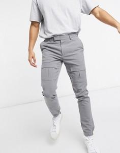 Серые зауженные строгие брюки с карманами карго ASOS DESIGN-Серый