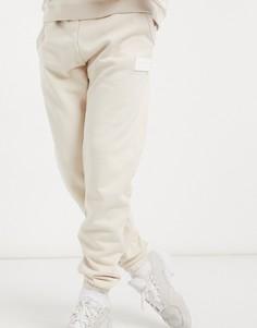 Джоггеры с резиновой нашивкой adidas Originals RYV-Белый
