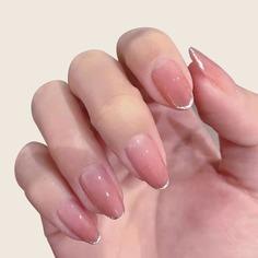 24шт Накладные ногти и 1 лист ленты и 1шт пилочка для ногтей Shein