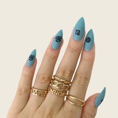 24шт накладные ногти, 1шт пилочка для ногтей и 1 лист лента Shein
