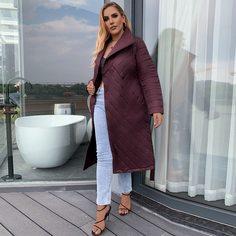 Astrid Стеганое пальто с карманом и поясом размера плюс Shein