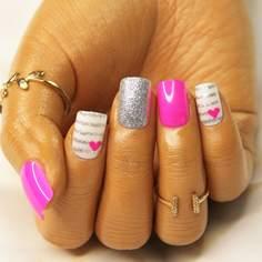 24шт Блестящие накладные ногти и 1 лист ленты и 1 пилочка для ногтей Shein