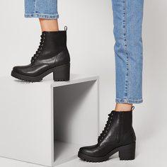 Ботинки на каблуках и шнурках Shein