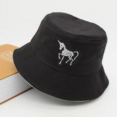 Мужская шляпа с мультипликационной вышивкой Shein