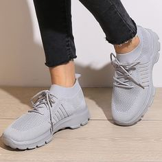 Трикотажная беговая обувь на шнурках Shein