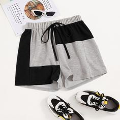 Контрастные спортивные шорты с узлом Shein