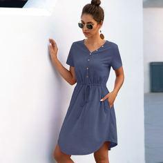 Платье на кулиске с пуговицами Shein