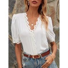 Блузка с кружевной отделкой Shein