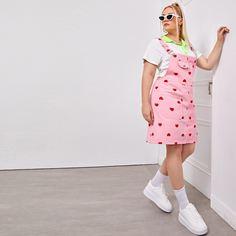 Джинсовое платье размера плюс с принтом сердца и карманом Shein